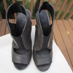 7 For All Mankind Mariah Green Open Toe Booties